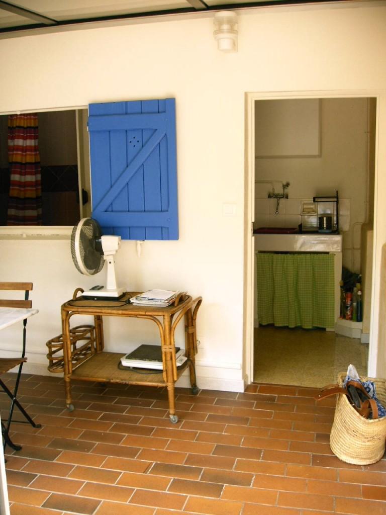 Entr e maison bandol locationminetti - Creer une entree dans une maison ...